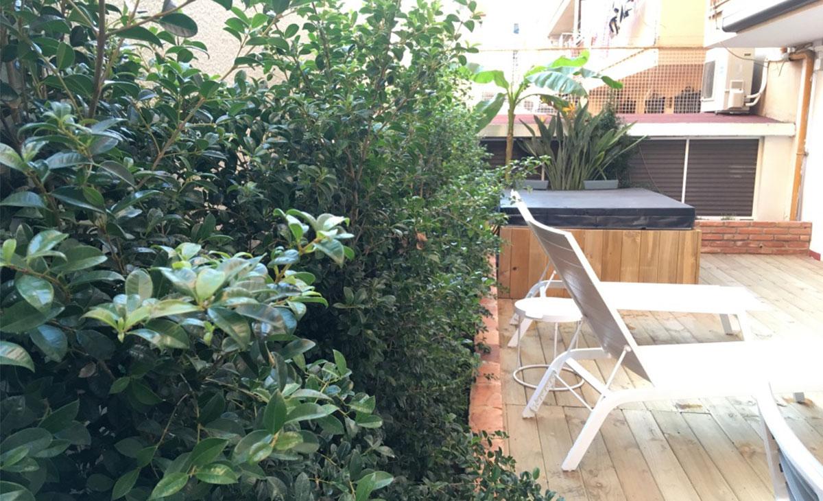 jardín jardineras integradas