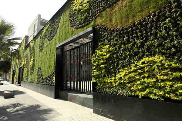 jardín vertical en fachada